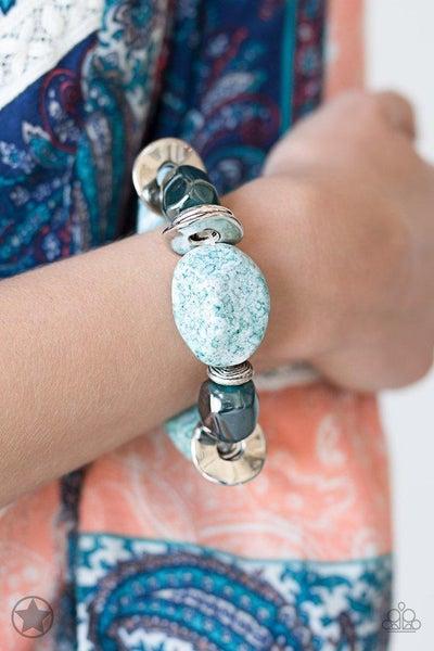 Paparazzi Bracelet Blockbuster - Glaze of Glory - Blue