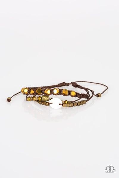 Paparazzi Bracelet ~ Trendy Tourist - Brass