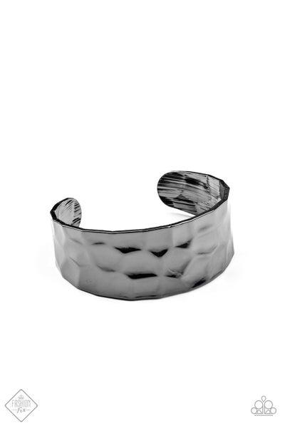 Paparazzi Bracelet ~ Is It HAUTE In Here? - Fashion Fix Nov 2020 - Black