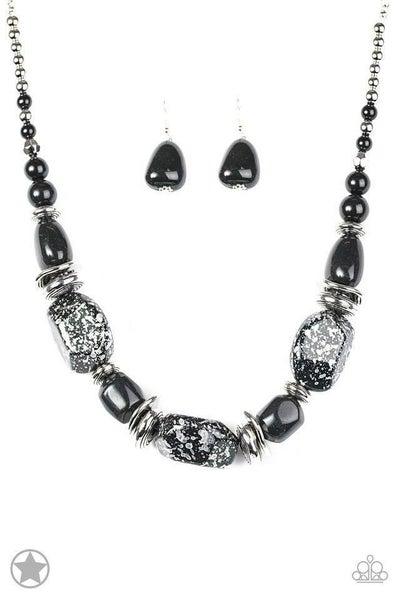 Paparazzi Necklace Blockbuster - In Good Glazes - Black