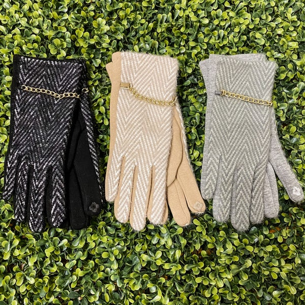 Super Cozy Touchscreen Gloves with Chain Detail *Final Sale*