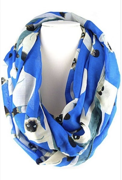 Lucy the Cat Infinity Scarf