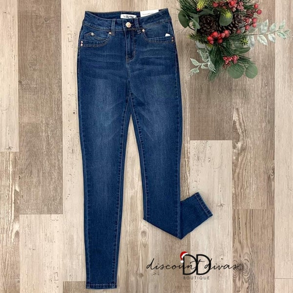 Sleek And Chic Skinny Jeans