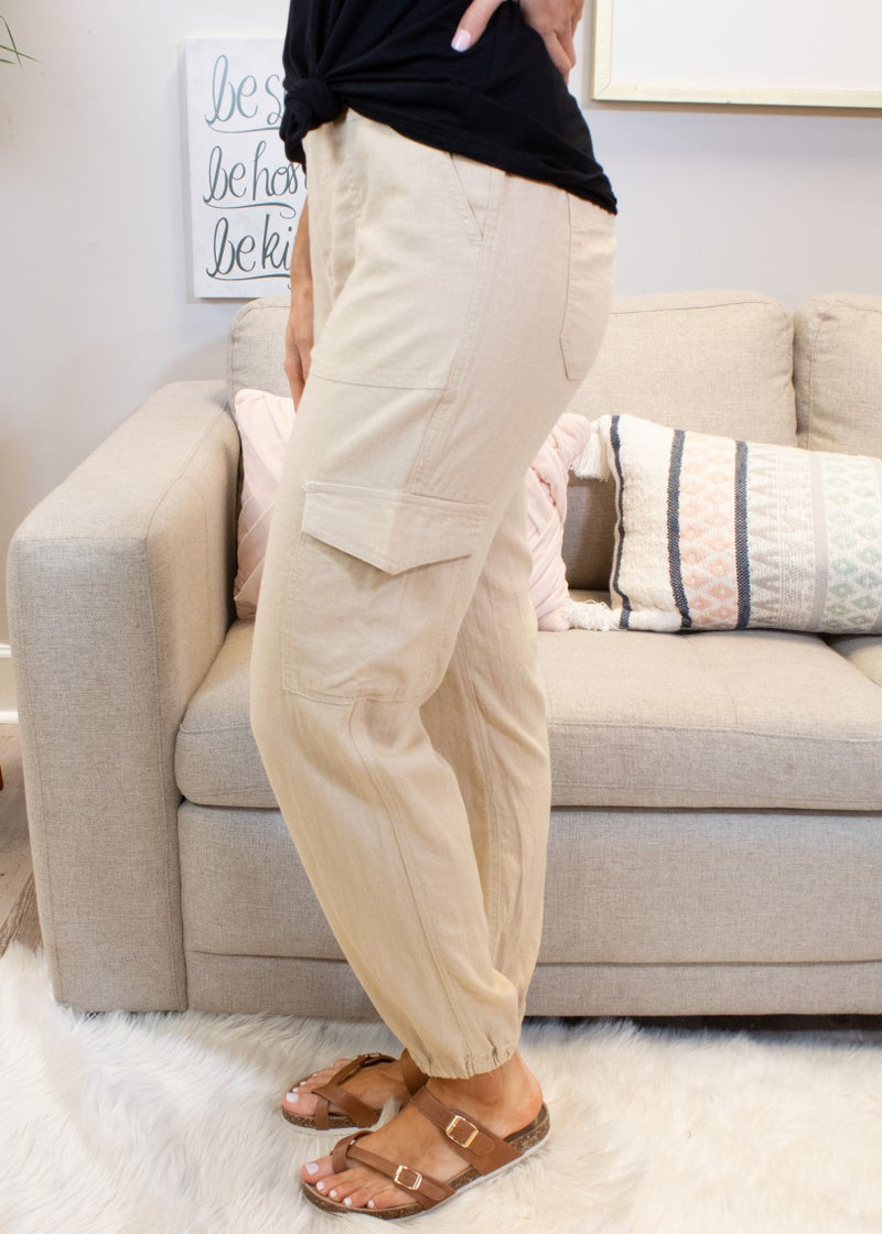 Linen Jogger With Pocket Detail