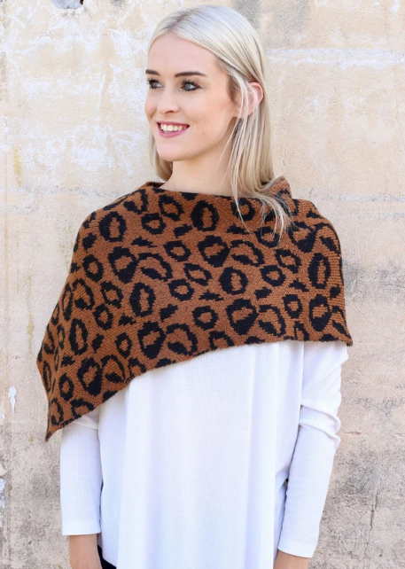 Coming Around Leopard Scarf - Brown
