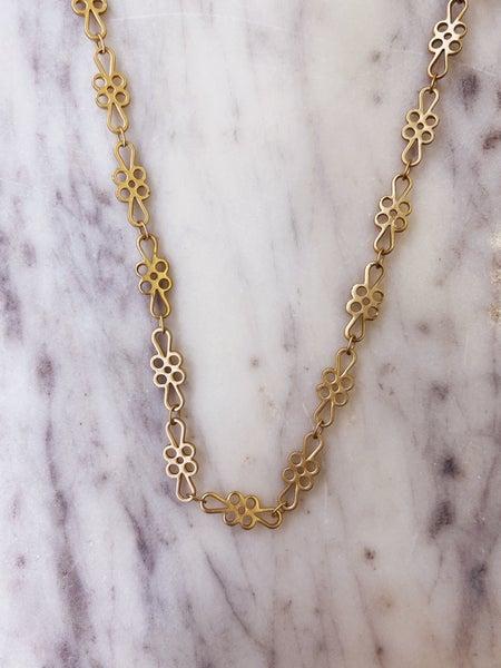 Jennifer Thames - Short Floral Necklace
