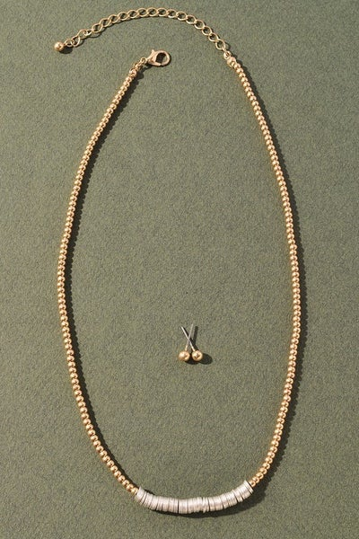 Anything But Simple Necklace - Gold
