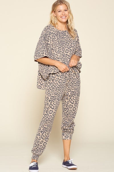 Reg/Plus Cat's Gone Wild Loungewear Set