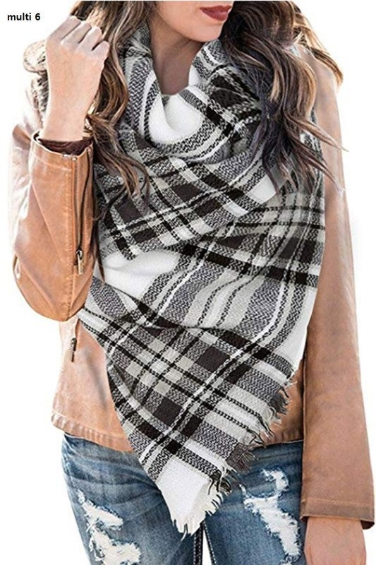 Warm and Cozy Scarf - Black/White