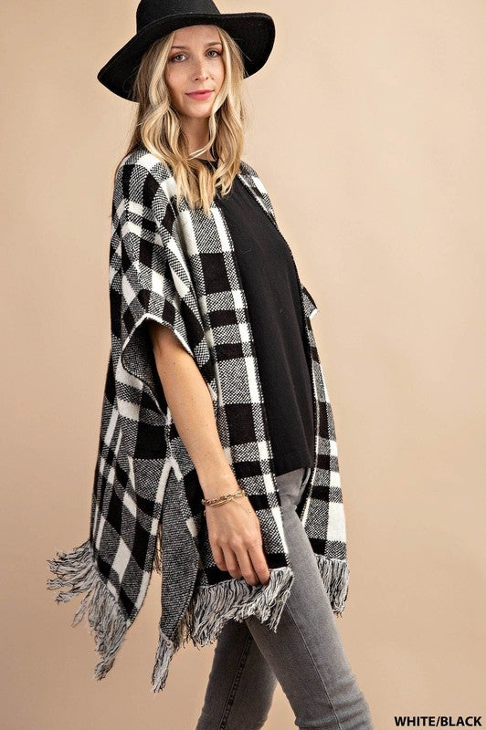 Plus/Reg Out Of The Woods Pancho - White & Black