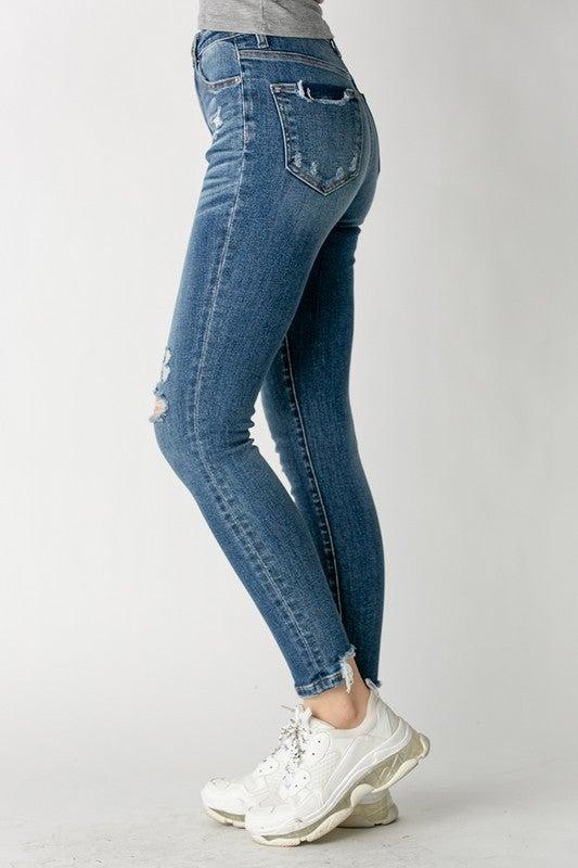 High Rise Vintage Wash Skinny Jeans - Medium