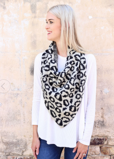 Coming Around Leopard Scarf - Ivory