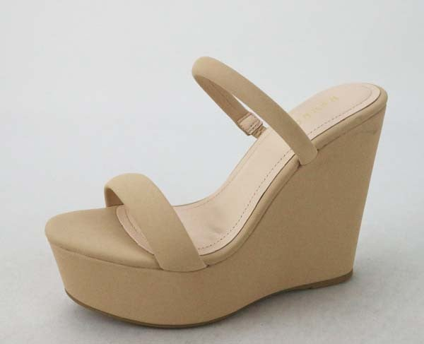 Day Trip Sandals - Nude