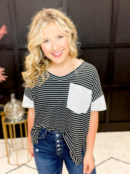 Pocketed Striped Contrast V-Neck (Sizes S-3XL)