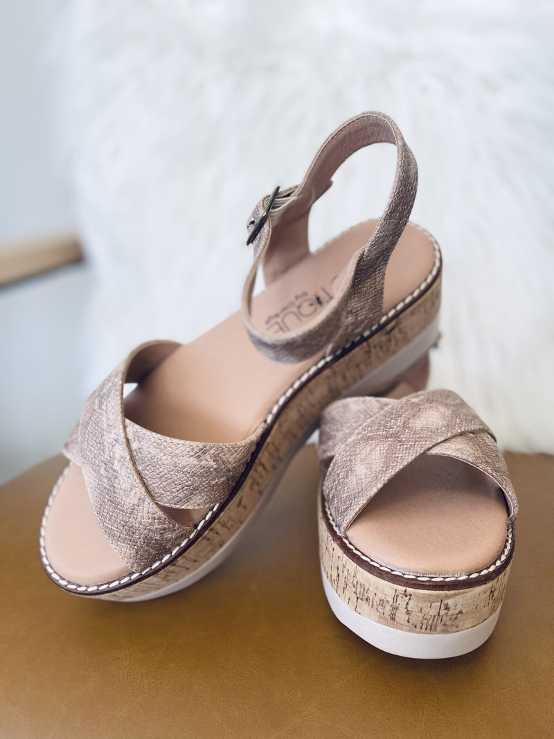Corky Fluffie Penny Wedge