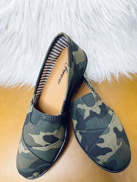 Slip On And Go Flats- Camo