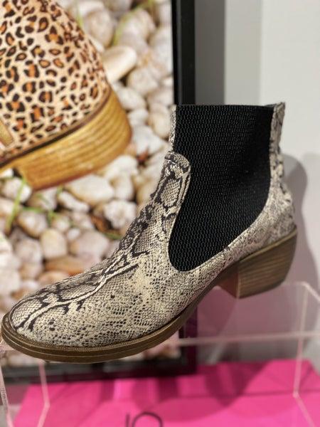 Corky's Hanover Bootss