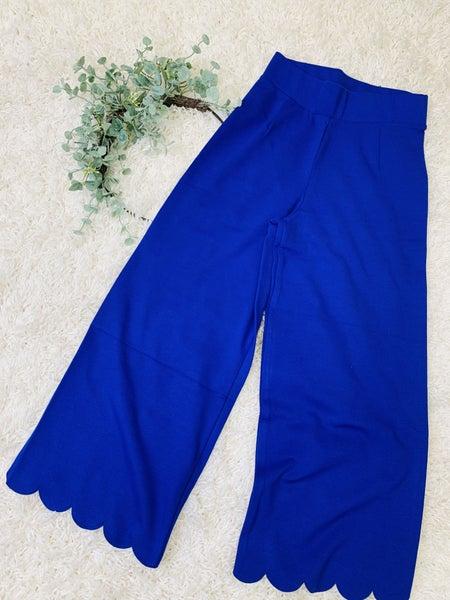 Scallop Capri Pants ~ Denim Blue