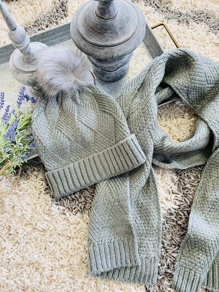Knitted Beanie & Matching Scarf Set ~ Gray