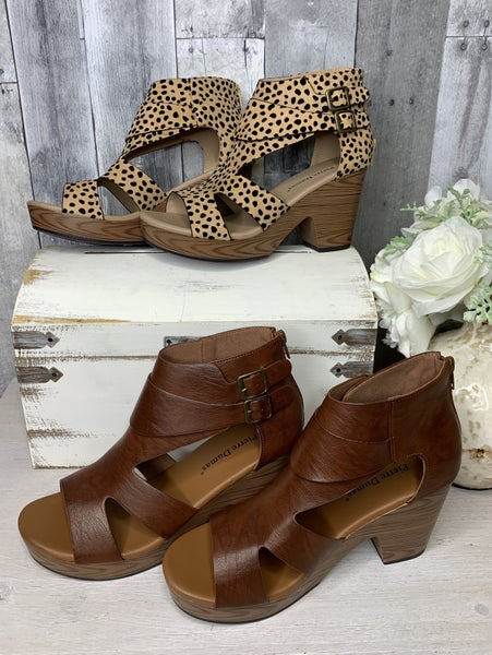 {THE PAM WEDGE}