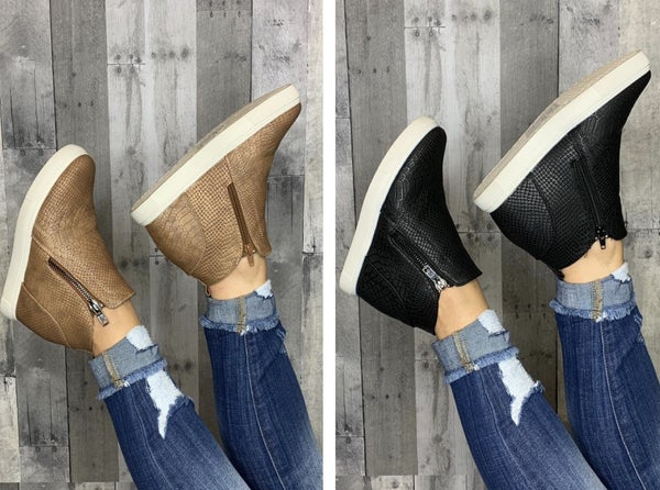 {HIDE AND SEEK WEDGE SNEAKERS}