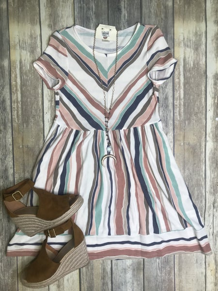 {ALL THAT IS RIGHT DRESS}