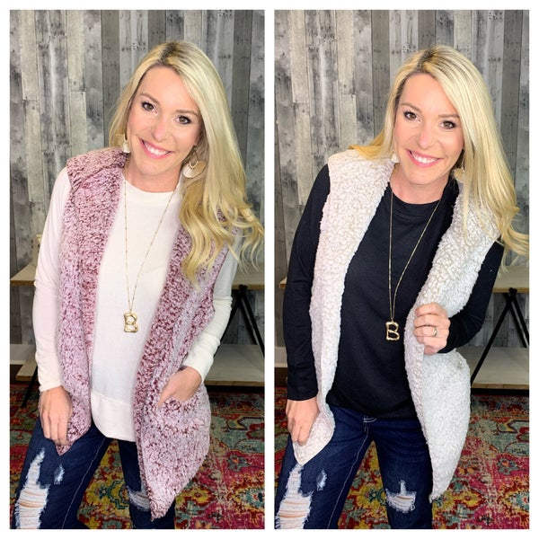 {DEAL OF THE DAY- SLEEVELESS HOODED VEST}