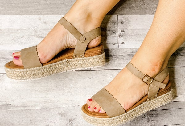 {MAGIC TAUPE ESPADRILLES}