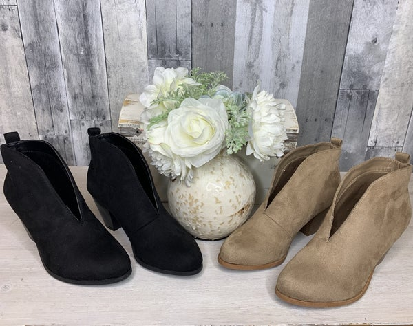 {DESTINATION BOOTIES}