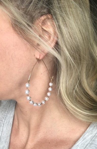 {PEARLS FOR DAYS EARRINGS}