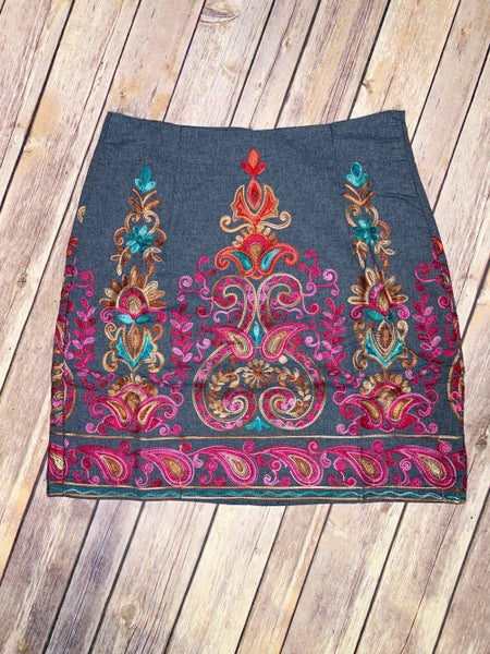 {EMBROIDERED LOVE SKIRT}
