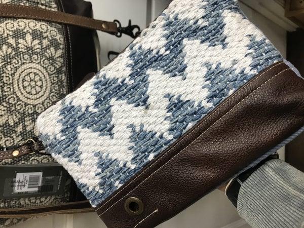 Myra pouch blue