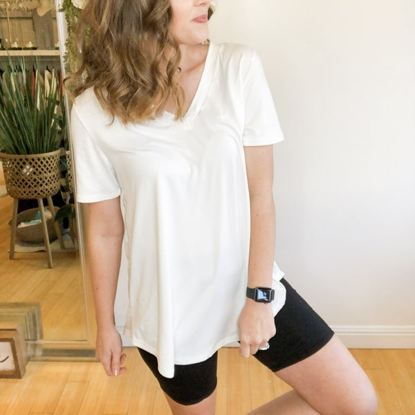 Classic V-neck Tee - 2 colors