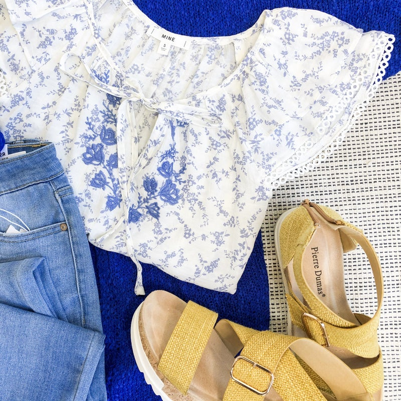 DAILY DEAL❤️ Blue Floral Blouse