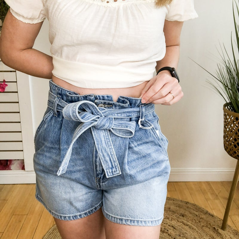 Hey Girlfriend! Paperbag Denim Shorts by KanCan