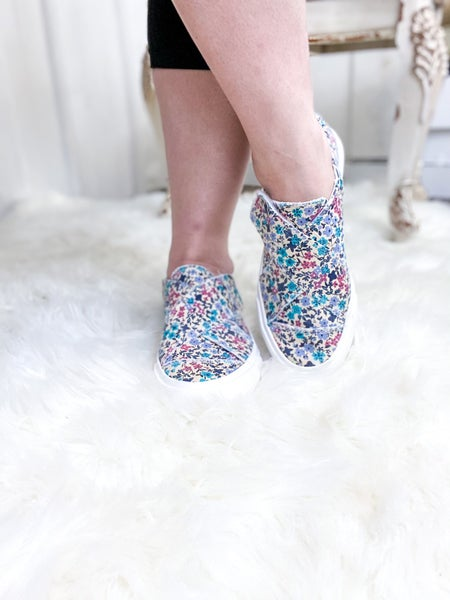 Gypsy Jazz Ivory Sneaker Turquoise Pink