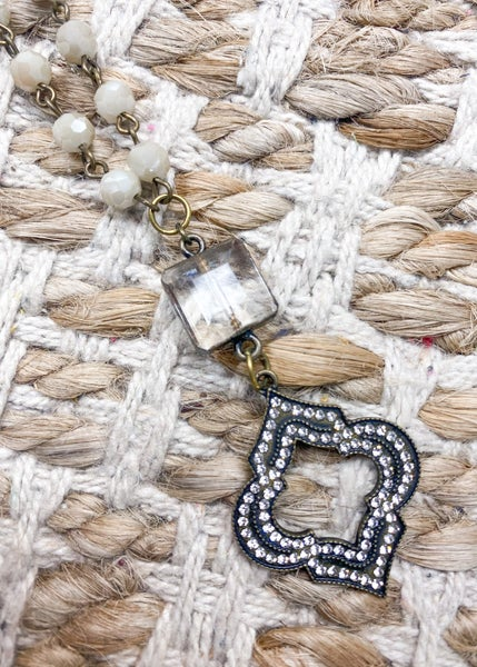 Charly's Treasures - Venice Short Necklace
