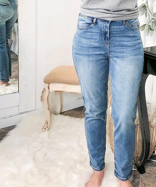 Judy Blue High Waist Relaxed Jeans - JB8115MD