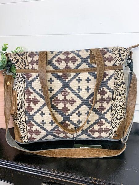 Myra Best Pick Messenger Bag