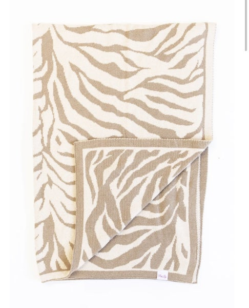Dreamy Zebra Plush Throw