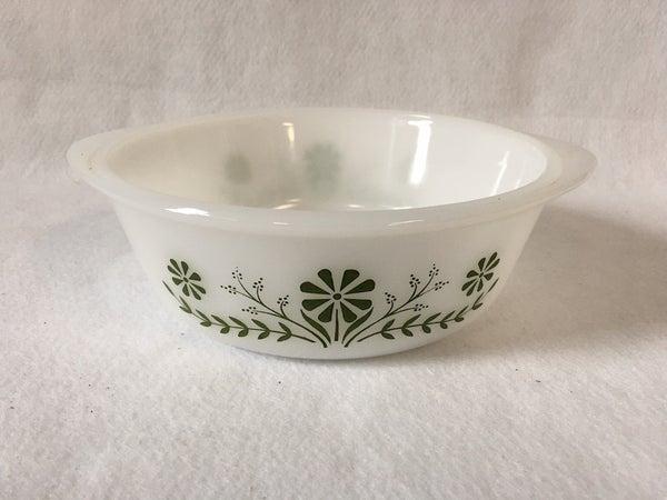 "8"" Round vintage Daisy Jennet serving bowl"
