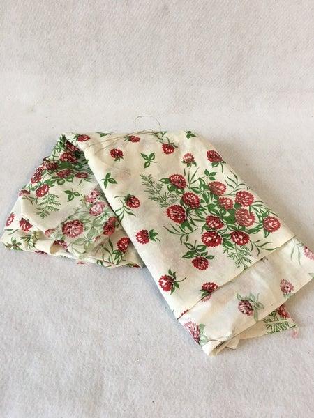 Vintage floral cotton fabric 2 3/4 yards