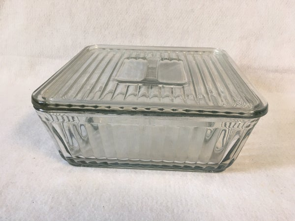 Anchor Hocking square refrigerator dish with lid