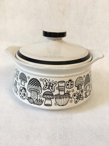 MCM black & white covered casserole dish