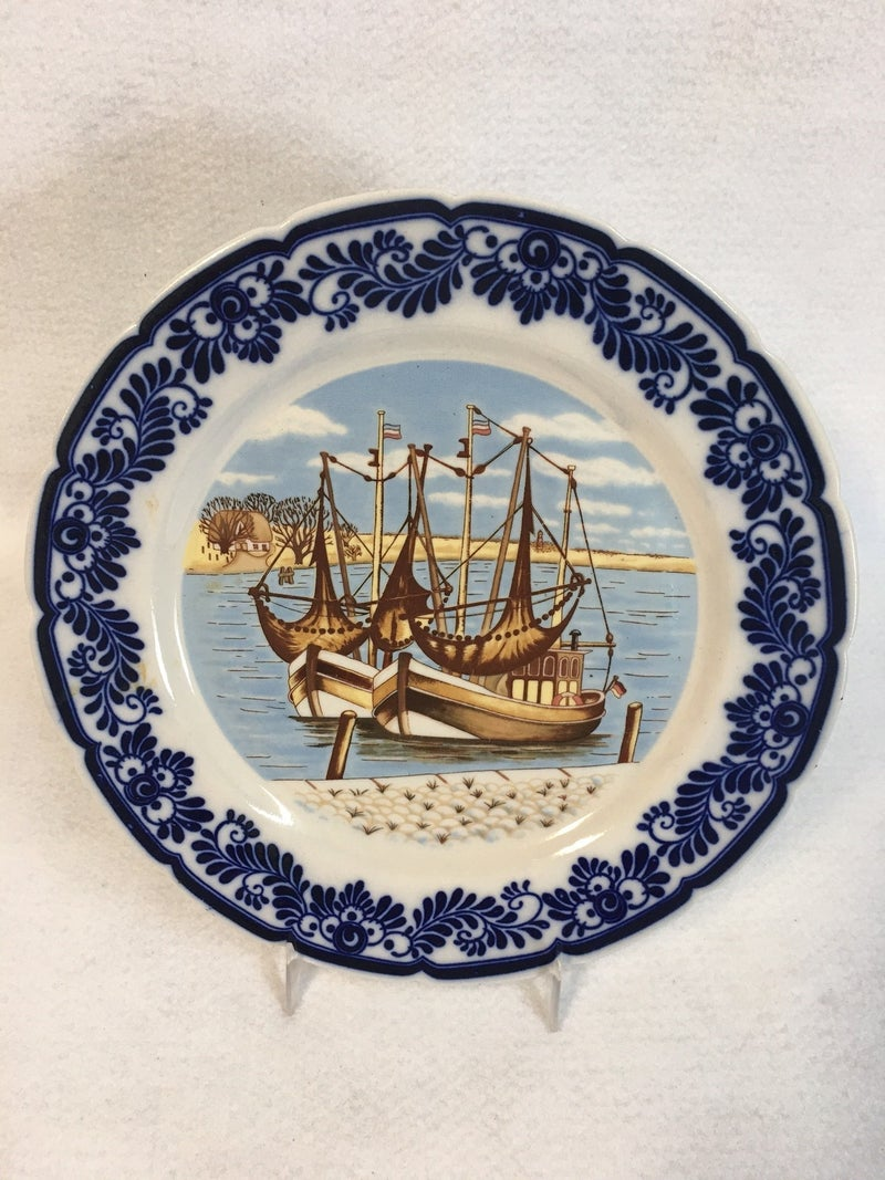 Delft Blue plate with ships