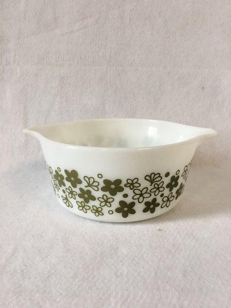 """Pyrex """"Crazy Daisy"""" 1  1/2 qt. bowl"""