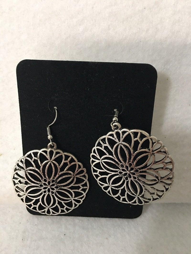 Vintage Round metal earrings