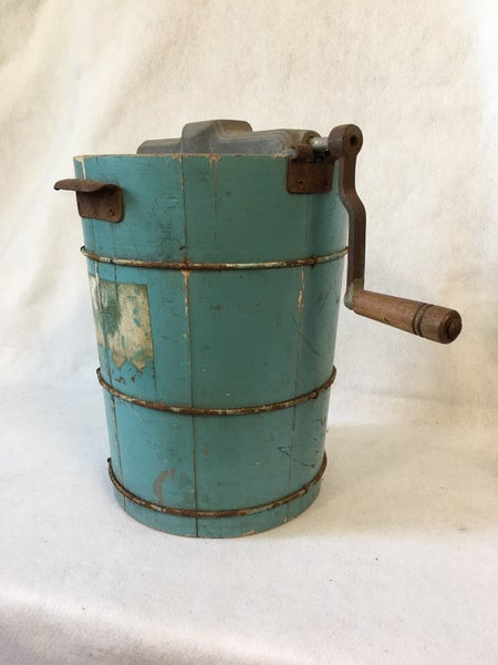 Vintage ice cream bucket with crank