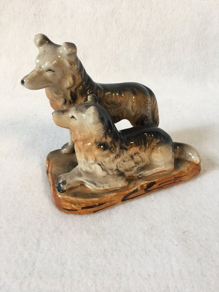 Vintage pair of dogs