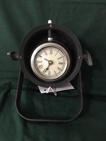 Small scoop back light case w/clock